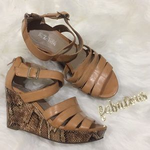 Kenneth Cole Reaction Doll Master strappy wedges
